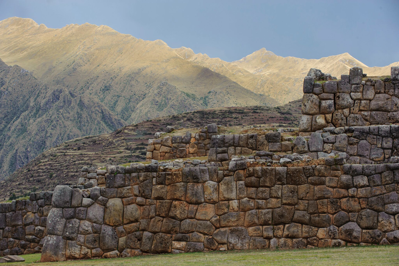 Inca leader Tupac Yupanqui built these stone walls—part of a temple and palace complex—in 1480.